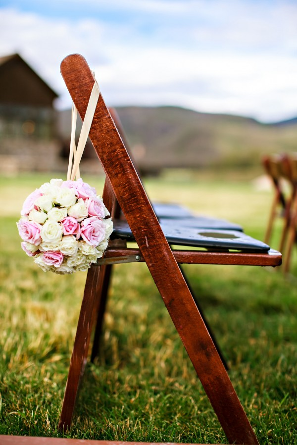 Details for Kara 0019 e1384364082139 kandace + rusty   devils thumb ranch wedding