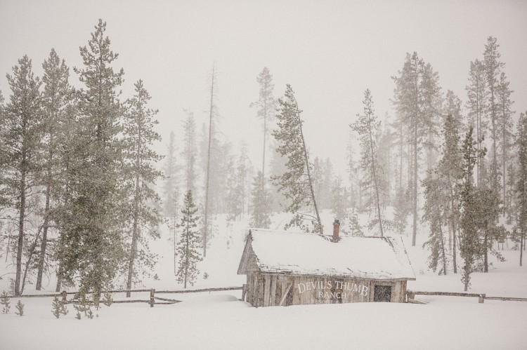 colorado winter wedding cabin