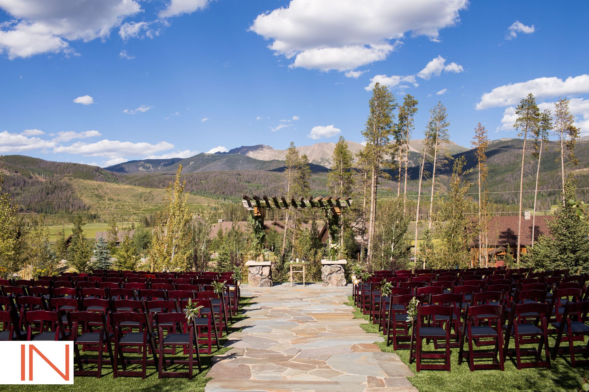 high lonesome lodge ceremony at devils thumb ranch