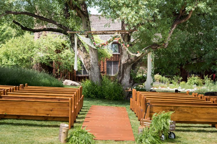 spruce-mountain-ranch-rainy-wedding-036
